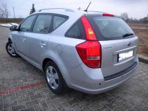 Kia Ceed 2009 (1).jpg